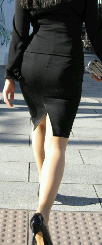 OLのタイトスカートがえろく見えて仕方がない