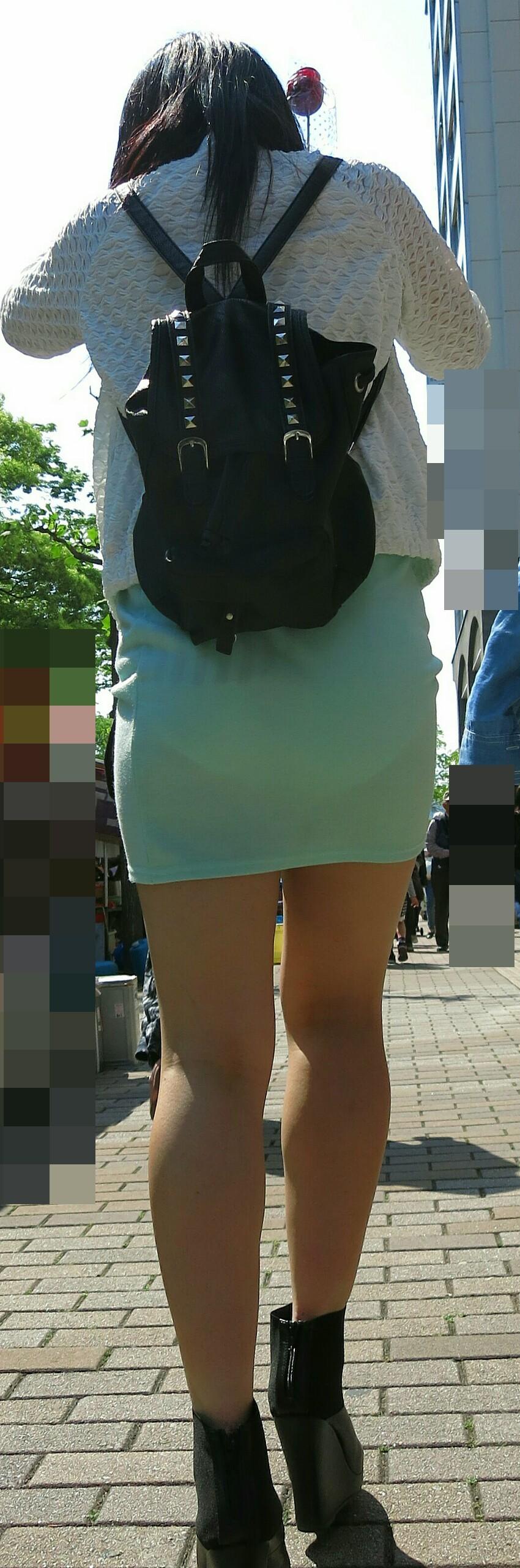 アダルト画像3次元 - タイトスカートでみるドしろーとの透けパンモロ・パン線がエろい