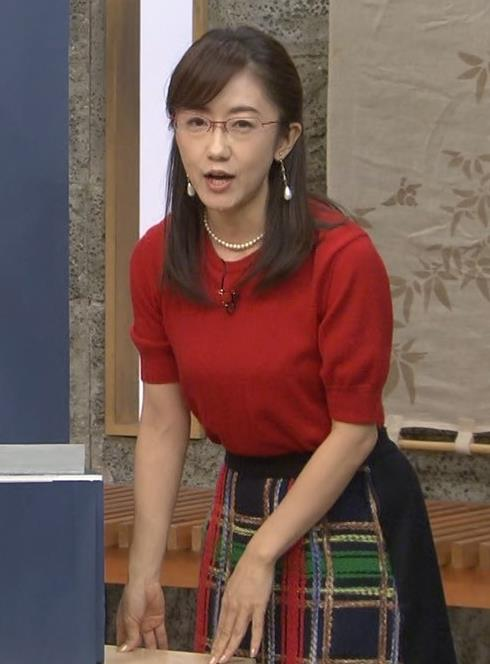 唐橋ユミ 横乳画像9