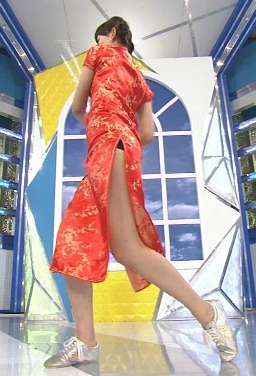 梨衣名 セクシードレス画像9
