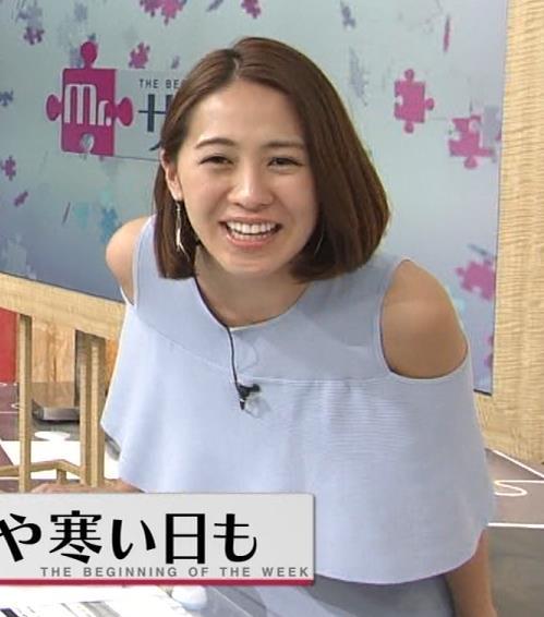 椿原慶子アナ 肩だし衣装