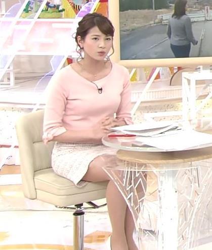 永島優美アナ 最大級の太ももチラリ&横乳