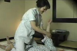 混浴宿で呼んだヒトヅママッサージ師とオメコしちゃう無料omannkoムービー