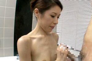 30代細身人妻のあばら骨に妙なえろス漂う無料ヒトヅマフェラチオチオムービー