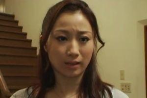 40代熟女のおまんこ激しく突く無料熟女性行為動画