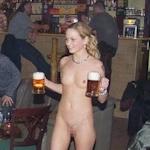 全裸の美人ヌード店員がいるバー?の画像