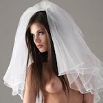 ウェディングドレスのセクシー画像特集
