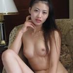 美乳な中国モデルを撮影会で撮影したヌード画像