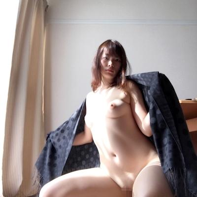 日本の素人美女の自分撮りヌード画像 6