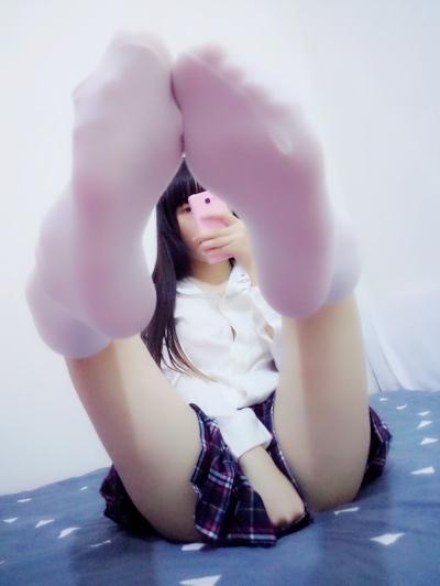 黒髪美少女の自分撮りヌード画像 3
