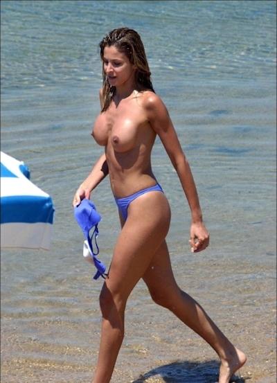 ヌーディストビーチにいた美女のヌード画像 5