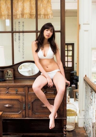 熊江琉唯 セクシーグラビア画像 3