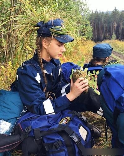 ロシアの美人消防士 14