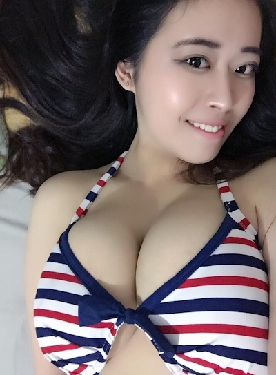 台湾のファミリーマートの爆乳店員 12