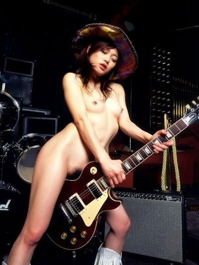 楽器&ヌード画像 5