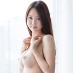 Fカップ美巨乳の20歳清楚系美女のセクシーヌード画像