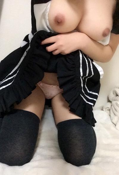 Fカップ巨乳の19歳コスプレ女性の自分撮りヌード画像 7