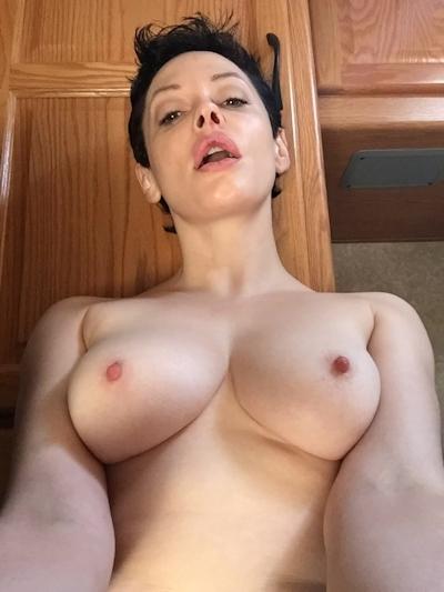アメリカ女優 Rose McGowan (ローズ・マッゴーワン) セックステープ流出の画像 5