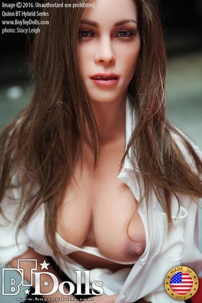最新のセックスドール RealDoll2 のヌード画像 4