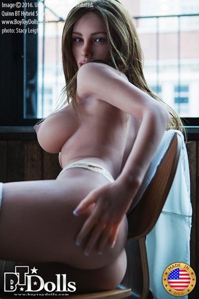 最新のセックスドール RealDoll2 のヌード画像 7