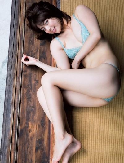 柳ゆり菜 セクシーグラビア画像 15