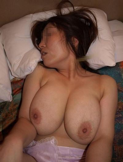 日本の素人女性のおっぱい画像 24