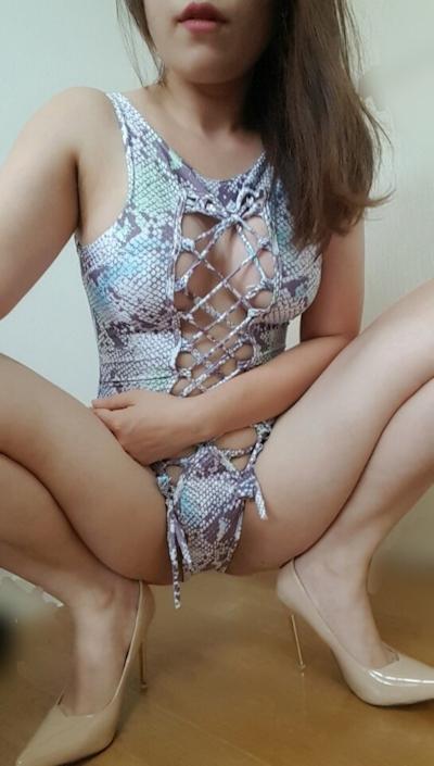巨乳なアジア系女性の自分撮りヌード画像 14