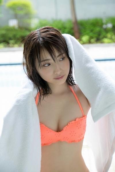 永井理子 セクシービキニ画像 15
