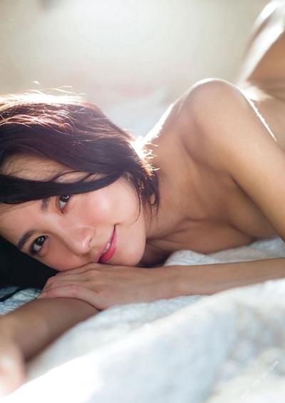 石川恋 セクシーセミヌード画像 13