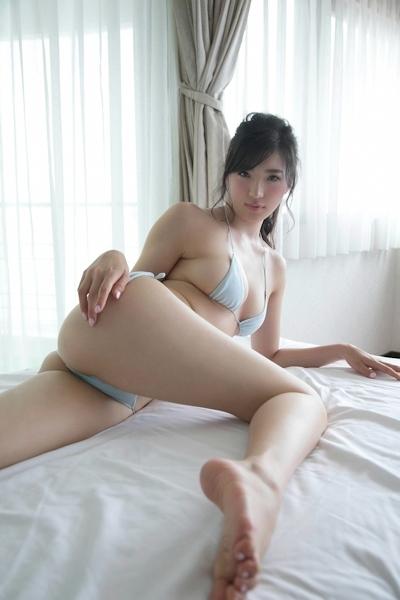 松嶋えいみ セクシーグラビア画像 10
