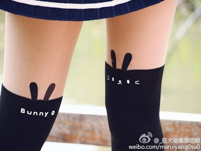 中国美少女コスプレイヤーのセクシー自分撮り画像 5