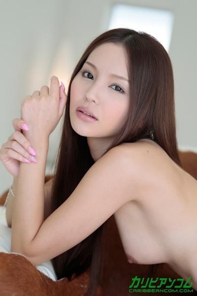 丘咲エミリ ヌード画像 2