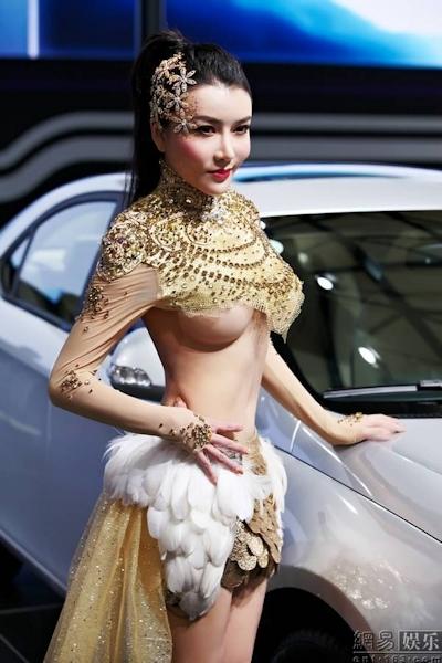 セクシーすぎる中国のモーターショーコンパニオンの画像 8