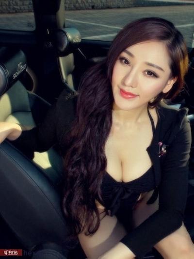 セクシーすぎる中国のモーターショーコンパニオンの画像 12