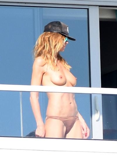 ドイツ出身のスーパーモデル Heidi Klum (ハイディ・クルム) パパラッチされたトップレス画像 3