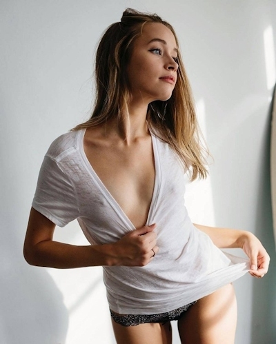 西洋美女のノーブラ乳首ポッチ画像 10