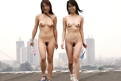 日本の素人美女の野外露出ヌード画像 20