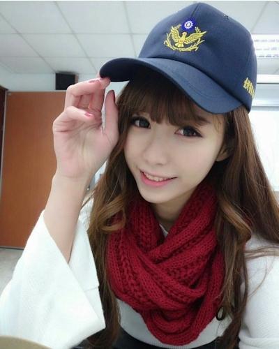 台湾の美少女警官? 3