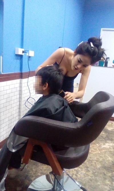 美人でセクシーな美容師のいるタイの理髪店 3