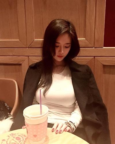 Jカップ爆乳の韓国美人CEO Han SoYoung(ハン・ソヨン) 2