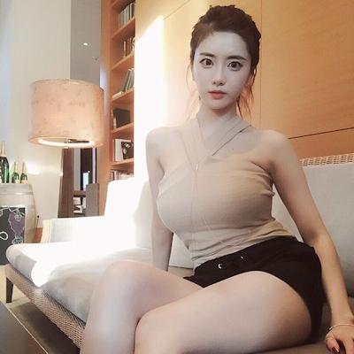 Jカップ爆乳の韓国美人CEO Han SoYoung(ハン・ソヨン) 11
