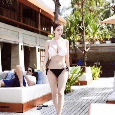 Jカップ爆乳の韓国美人CEO Han SoYoung(ハン・ソヨン) 16