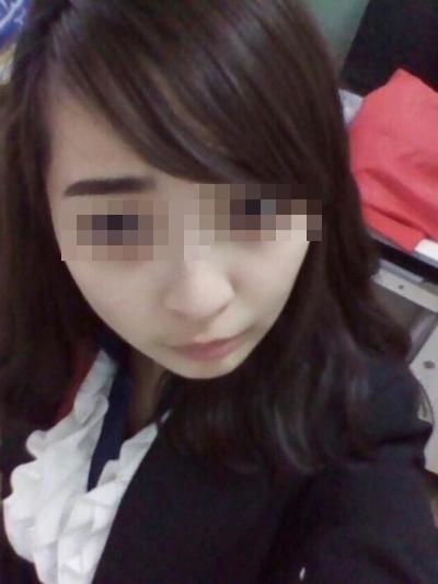 アジアン極上美少女の自分撮りヌード画像 1