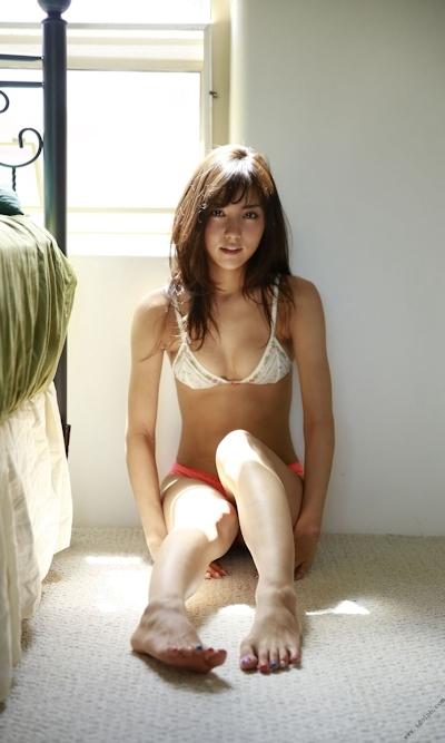 石川恋 セクシービキニ画像 8