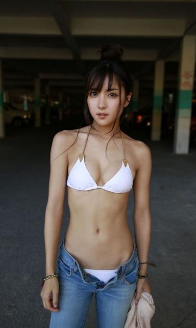 石川恋 セクシービキニ画像 18