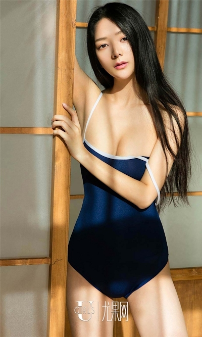 中国美女モデル 小琪(Xiaoqi) セクシースク水画像 1