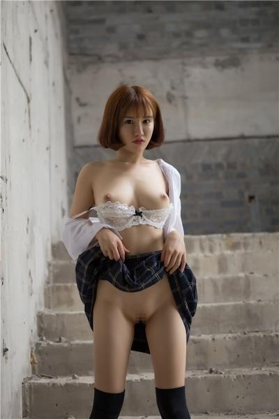 JKコスプレのアジア美女の緊縛ヌード画像 2