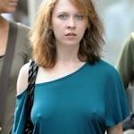 海外の素人女性の乳首ポッチ画像特集