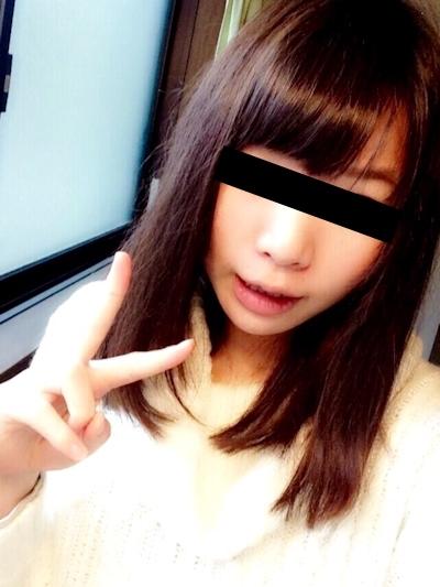 日本の清楚系美少女の自分撮りヌード画像 1
