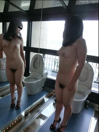 日本の素人女性がおマンコくぱぁしてる流出ヌード画像 2